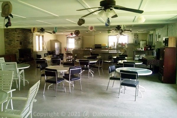 Clubhouse_Dining_04